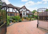 6 bed Detached property in Sandy Lane,  Northwood...