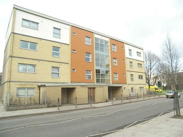 Devons Road 302 flat 12 (3).JPG