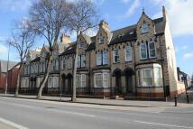 Flat in Beverley Road, Hull...
