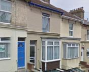 3 bed Terraced home to rent in Clarendon St