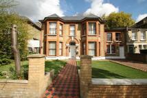 7 bedroom semi detached house in Windsor Road, London E7