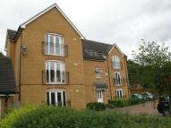 2 bedroom Apartment to rent in Ravenoak Way, Hainault...
