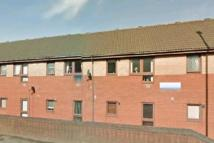 Flat in PLUMPTON CLOSE, Oldham...