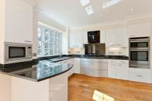 Detached home to rent in Claremont Road, Claygate...