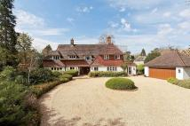 5 bed property to rent in Fairmile Lane, Cobham...