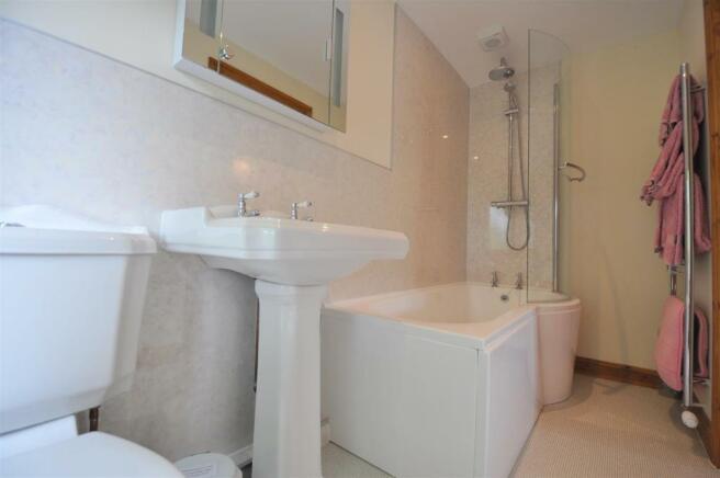 Room 1 Ensuite Bathr