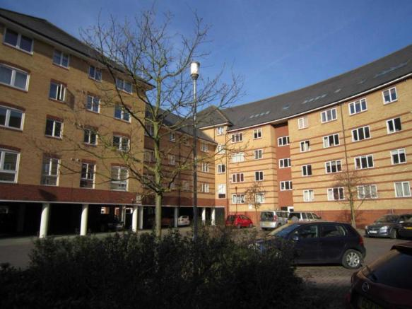 2 Bedroom Property To Rent In Scotney Gardens Maidstone Kent ME16