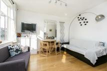 Apartment in Queens Crescent...