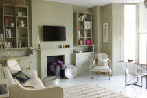 1 bedroom Ground Flat to rent in King Henrys Road, London...