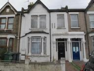 2 bed Flat to rent in Kettlebaston Road...