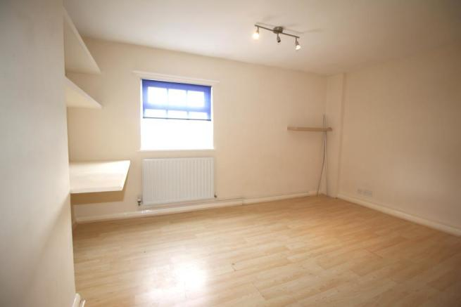 Bedroom 4 x.JPG