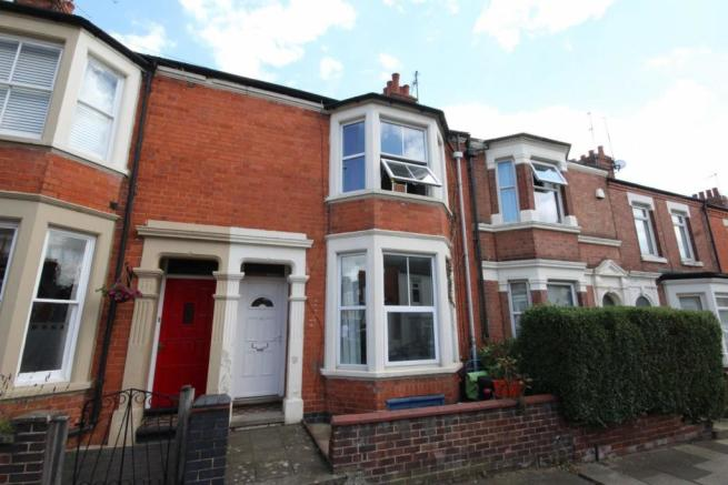 3 Bedroom Terraced House For Sale In Cecil Road Queens Park Northampton Nn2