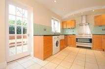 3 bed home in Meadow Place Chiswick W4