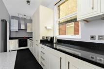 2 bedroom Apartment to rent in Chiswick High Road...