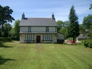 4 bedroom property in Tynewydd...