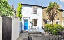1 bedroom property in Pier Road, Greenhithe...