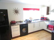 2 bed semi detached home to rent in Leafy Oak Road, London...