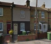 Terraced home to rent in Blenheim Road, Dartford...