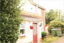3 bed semi detached property to rent in PIER WAY, London, SE28