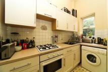Flat to rent in Vicarage Road, TW2