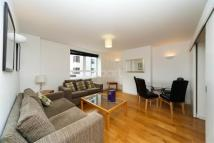Flat to rent in Walking distance to Kew...