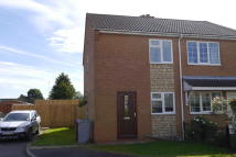 2 bedroom semi detached home to rent in Pasture Close...