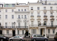 3 bed Flat to rent in Lowndes Street