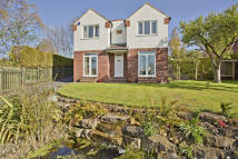 4 bedroom Detached home for sale in 15, Pinfold Rise, Leeds