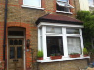 1 bedroom Flat for sale in Top Flat, Hounslow