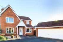 Detached property in Springwell Grove...