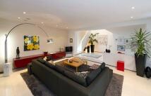 3 bedroom Detached property for sale in Shurdington Road, Bolton