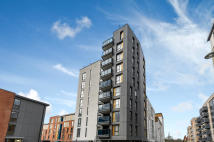 2 bed Apartment for sale in Felix Court, Colindale