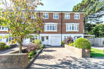 Town House for sale in Canford Close, Enfield