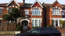 Ground Flat in Stanthorpe Road, London...