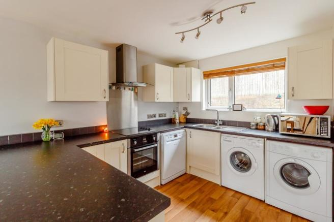 3 Bedroom Terraced House For Sale In Quetta Park Fleet Hampshire