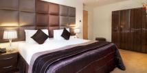 Serviced Apartments in Princes Square, London