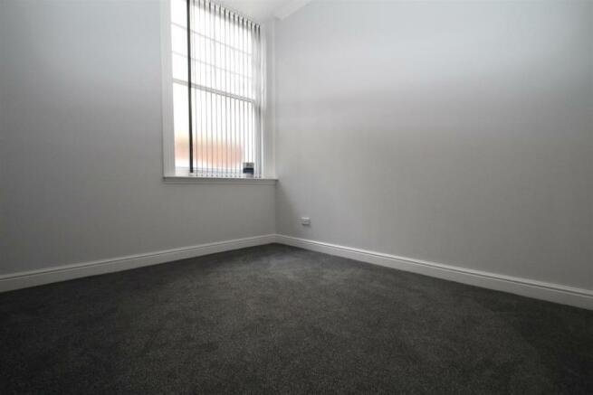 34 Charter House Bed NEW.JPG