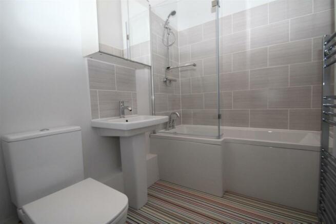 34 Charter House Bathroom NEW.JPG
