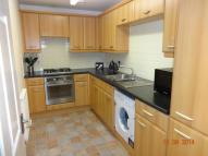 Ground Flat to rent in CAPSTAN DRIVE, Rainham...