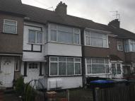 Flat to rent in Woodside Close, Wembley...