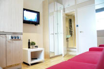 Studio apartment in Linden Gardens, London...