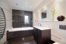 1 bed Flat in Nine Elms Ln...