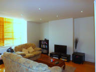 Flat to rent in Champion Hill, London...