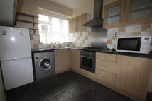 3 bedroom Flat in St. Agnes Place...