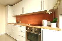 3 bed Flat to rent in Abbey Street...