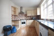 3 bed Flat in Maltby street...