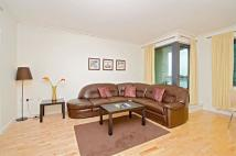 Flat to rent in Bying Street...
