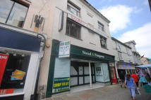 property to rent in 33 Market Place,