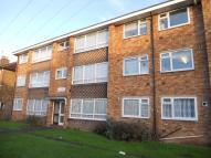 2 bedroom Flat to rent in Wellwood Road, Ilford...