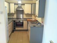 Flat to rent in Saunders Close, Ilford...